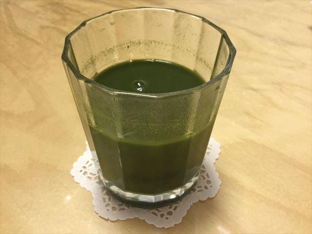 サンスター健康道場「粉末青汁」の水割り